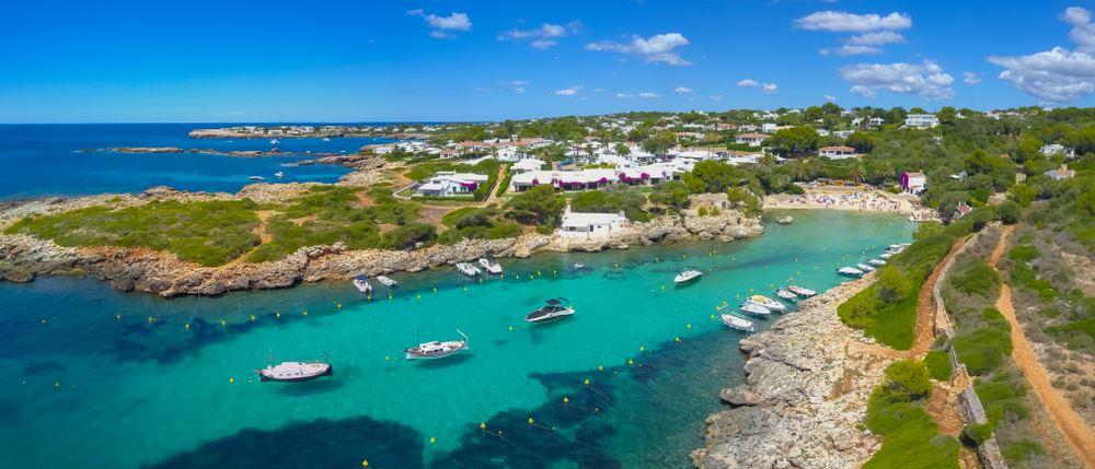 Cala en Blanes y Los Delfines en Menorca