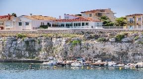 Exclusivas villas con vistas al mar en la costa de Cala Fons