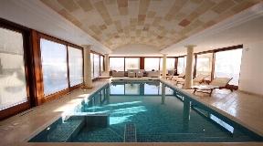 Lujosa villa en venta cerca de Ciutadella en Menorca en una preciosa zona residencial