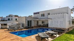 Villa en parfaite position de Minorque à vendre - à Ses Salines de Fornells