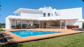 Excelente chalet de diseño en venta en Menorca - Cala Blanca