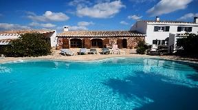 Antiguo Chalet en venta con totalmente reformado en Menorca - Mahón