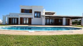 Asombrosas villas en venta en Cala Morella con magníficas vistas al mar