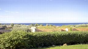 Villa bioclimática con conciencia medioambiental situada en la costa sur de Menorca