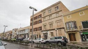 Casa para reformar en venta en la calle principal de Ciutadella