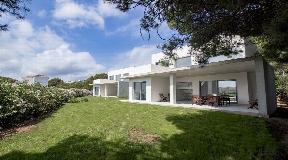 Fascinante villa en un complejo único en Coves Noves en Menorca