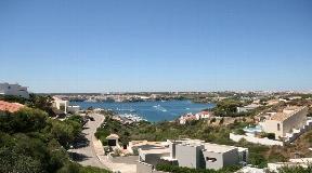 Terreno en la mejor ubicación de Cala Llonga en Menorca