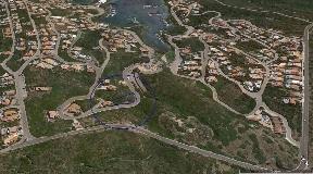 Atractiva Terreno en Cala Llionga en Menorca