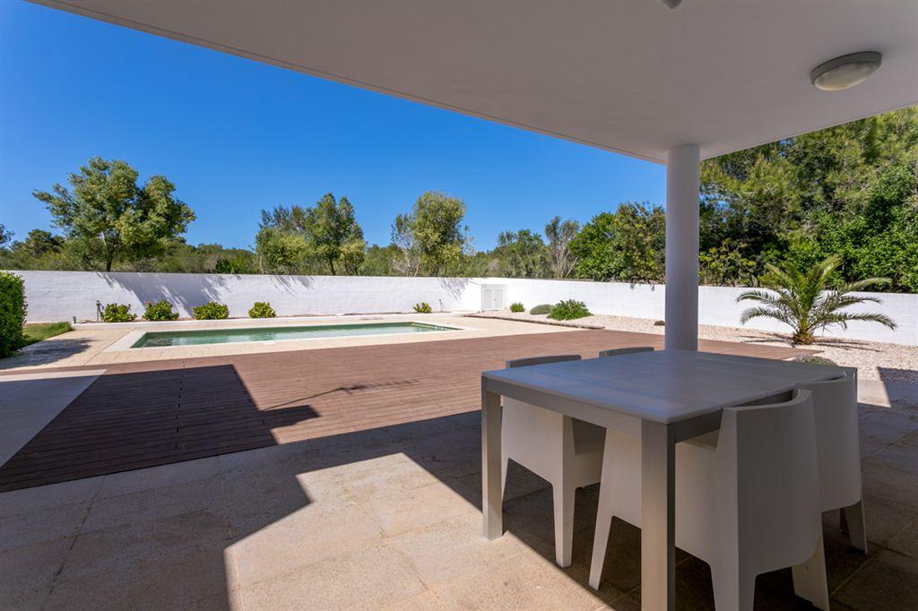 Bonita villa de moda con licencia turística en la zona de Cala Santandria en venta