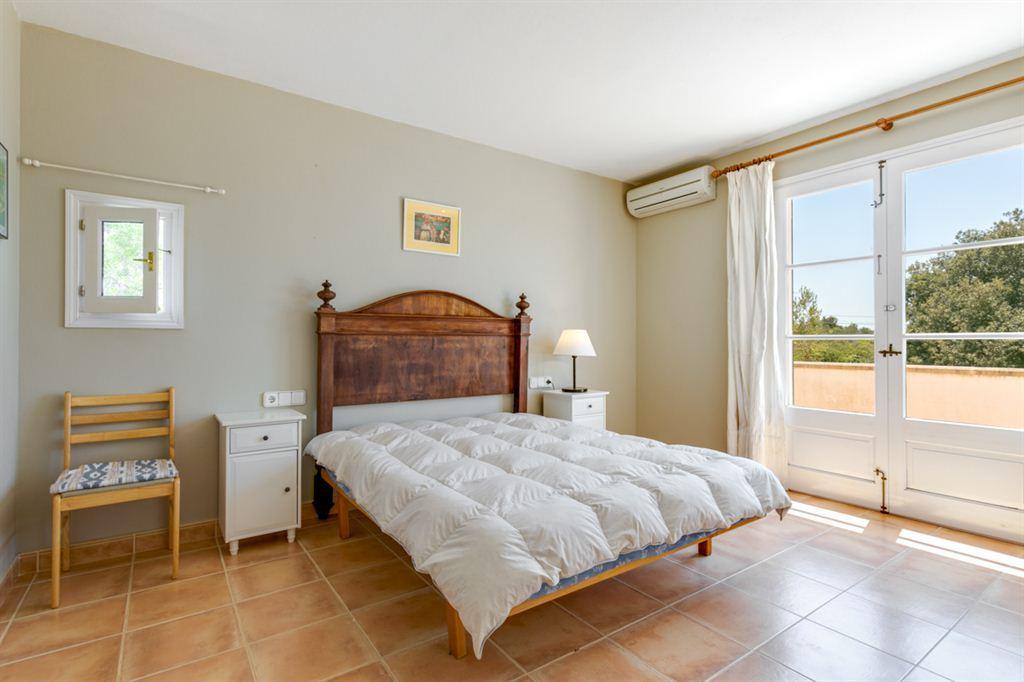 Finca dignamente reconstruida en venta con piscina en una zona privilegiada de Menorca