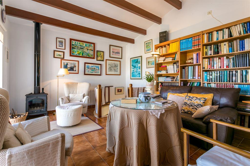 Villa visible en venta con magníficas vistas del puerto de Mahón