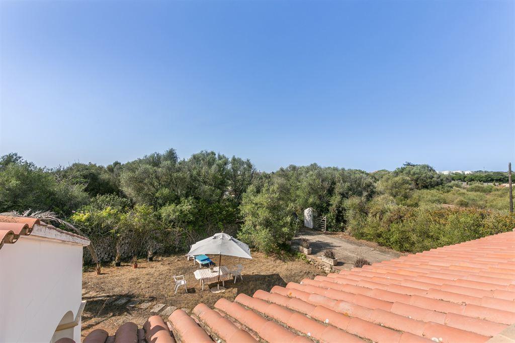 Hermosa casa de campo en venta con piscina y gran parcela en Mahón