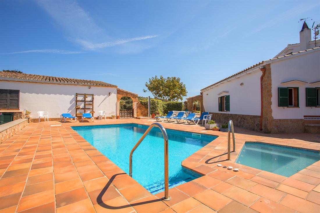Maravillosa propiedad con piscina en medio del campo en el cami d'en Kane, entre Mahón y Alaior