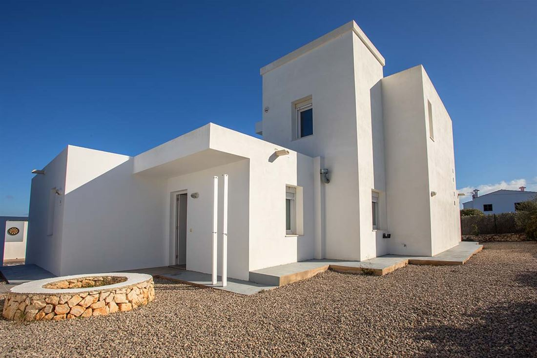 Magnífica casa de nueva construcción en Binibeca con piscina y licencia de alquiler turístico